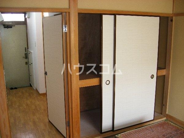 コーポレモン 202号室の玄関