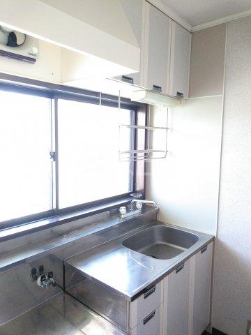 ウッドベル 2号室のキッチン