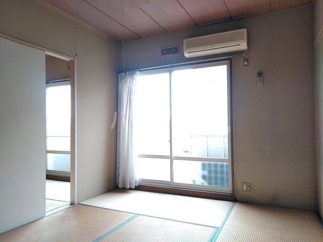 吉田ハイツ 202号室のリビング