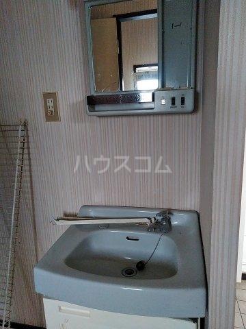 吉田ハイツ 202号室の洗面所