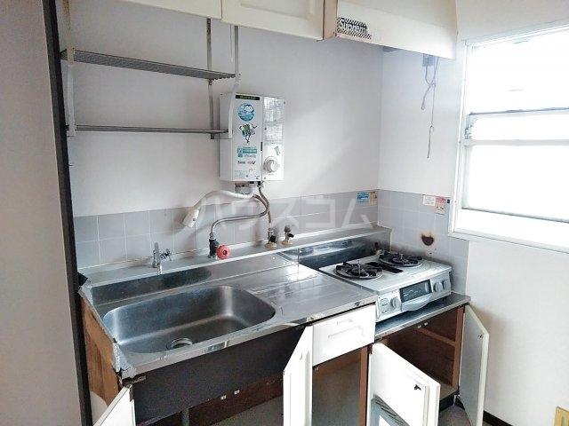 吉田ハイツ 101号室のキッチン