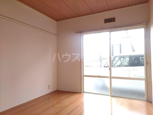 吉田ハイツ 101号室のベッドルーム