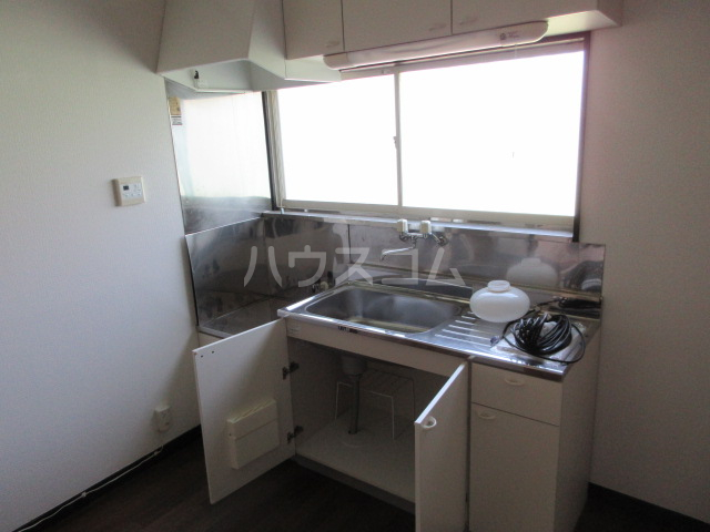 コーポルークワットA 201号室のキッチン