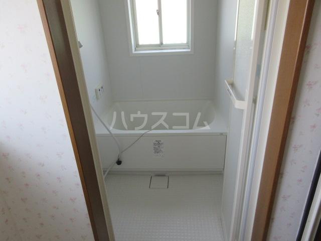 コーポルークワットA 201号室の風呂