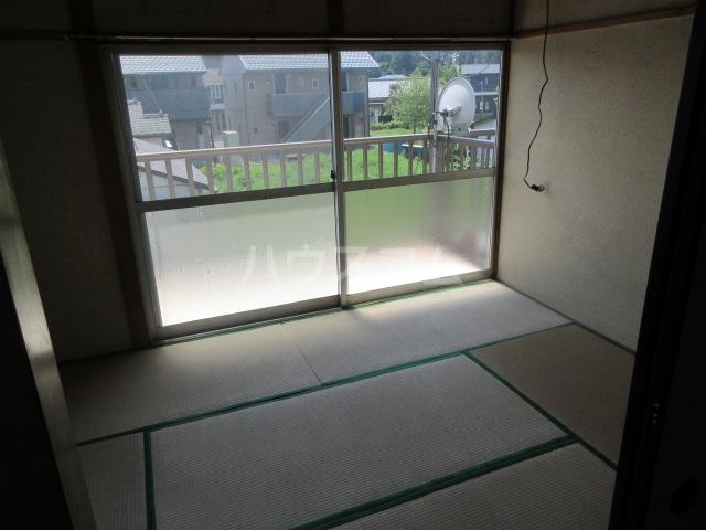 紫山荘 201号室の居室