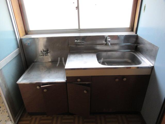 紫山荘 201号室のキッチン