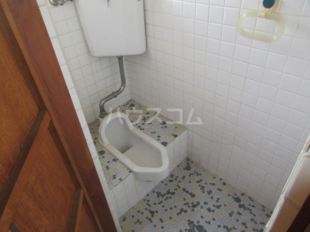 紫山荘 201号室のトイレ