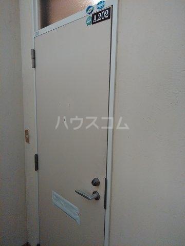 コーポルークワットA 202号室のエントランス