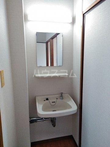 シティハイム・水源A A202号室の洗面所