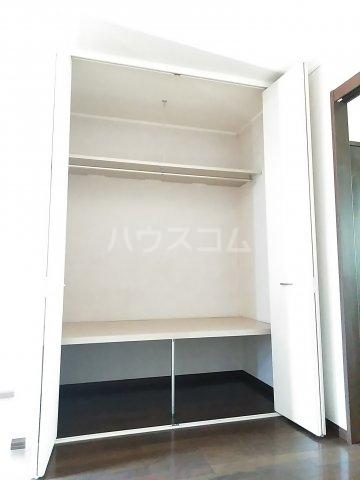 ウッドベルⅢ 101号室の収納