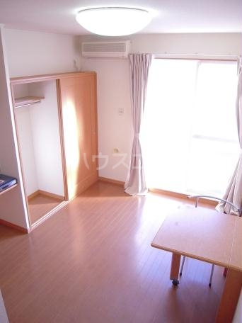 レオパレスキノーレ 202号室のリビング