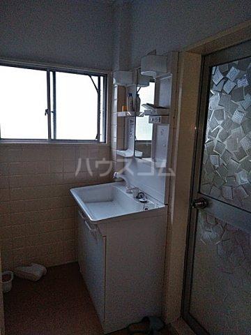 石川ビル 302号室の洗面所