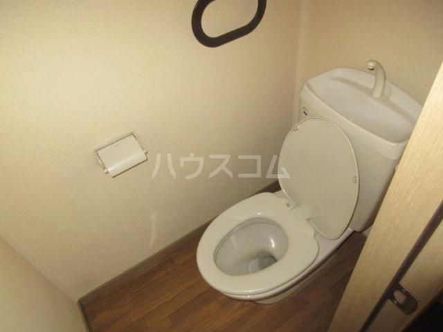 エストシャトーⅠ 202号室のトイレ
