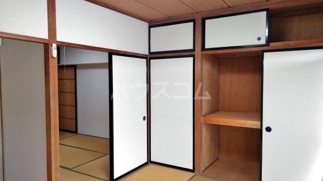 プラムガーデン 402号室の収納
