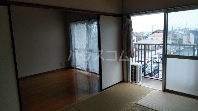 プラムガーデン 402号室の居室