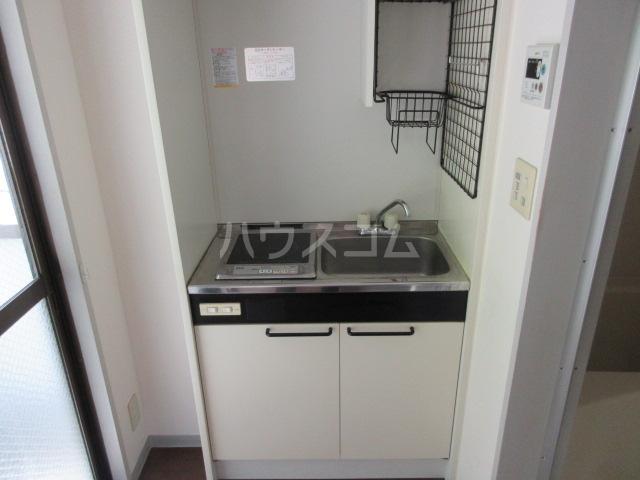 PURE BLOG 2号室のキッチン