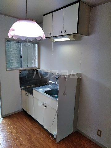 メゾンこなんA 101号室のキッチン