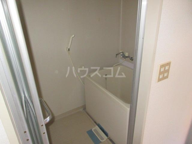 メゾンこなんA 101号室の風呂