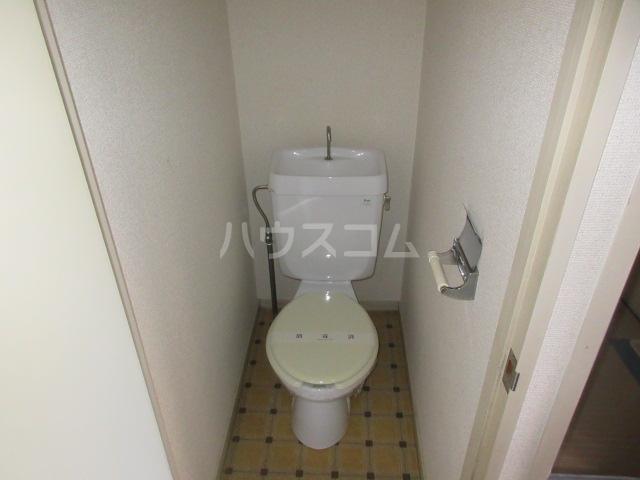 メゾンこなんA 101号室のトイレ