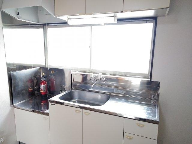 コーポルークワットB 201号室のキッチン