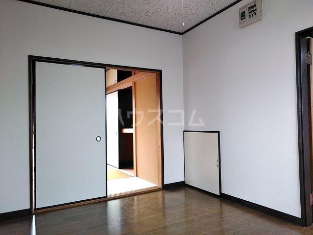 コーポルークワットB 201号室のリビング