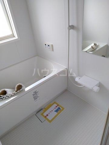 コーポルークワットB 201号室の風呂