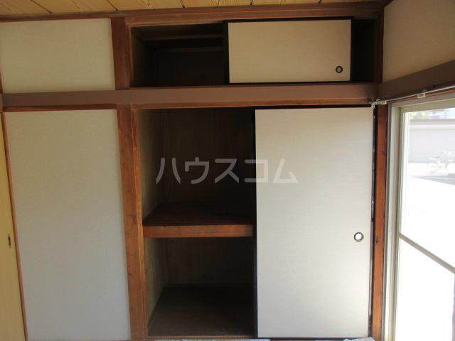 コーポルークワットB 202号室の収納