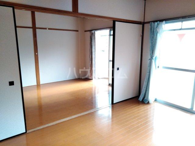 三の丸ブルーハイム 106号室の居室