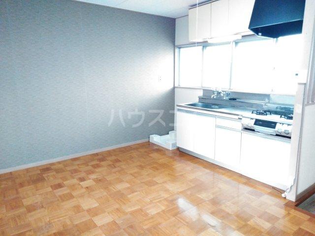 三の丸ブルーハイム 106号室のリビング