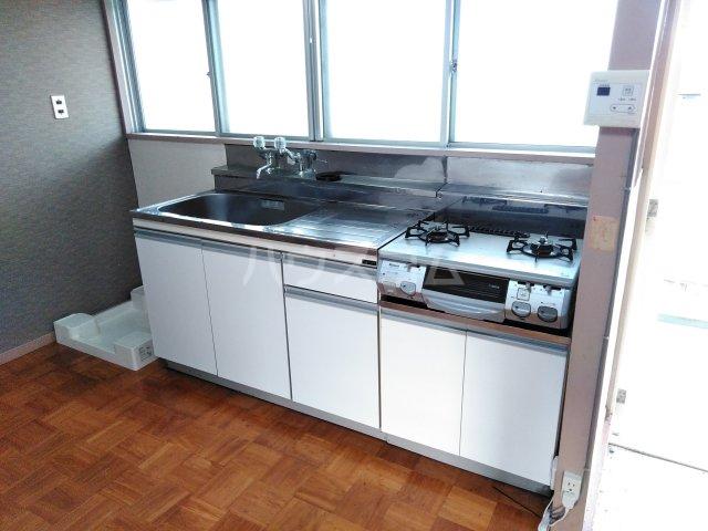 三の丸ブルーハイム 106号室のキッチン