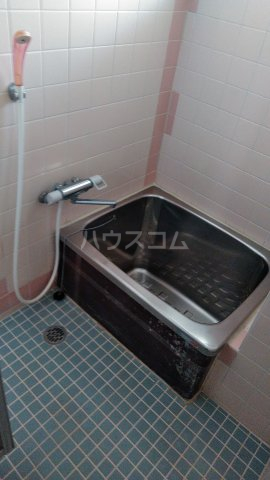 三の丸ロイヤルコーポ 101号室の風呂