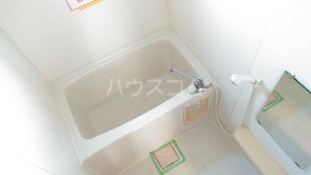 ブランエールD 102号室の風呂