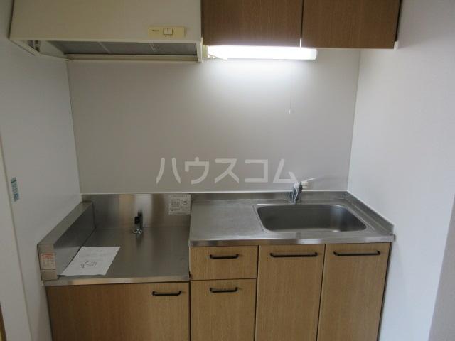 ブランエールD 201号室のキッチン