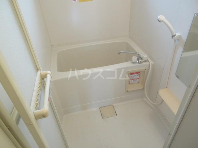 ブランエールD 201号室の風呂