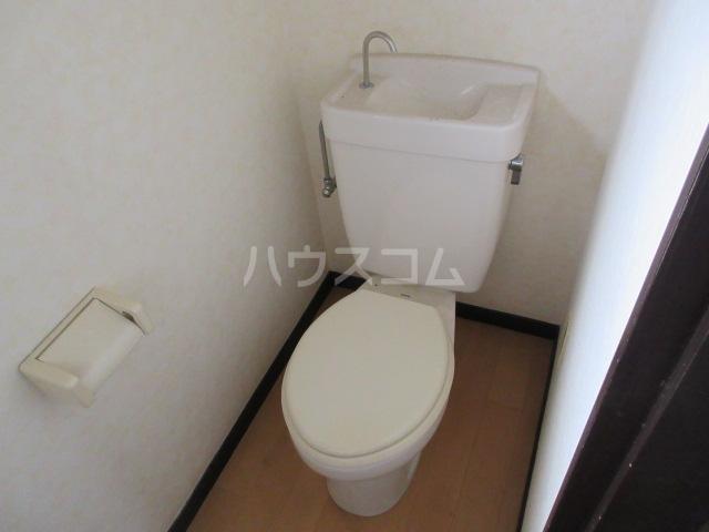 ハイツアンザイ 202号室のトイレ