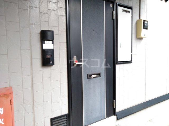 クリスタル水戸 103号室のエントランス