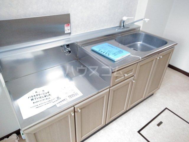 クリスタル水戸 103号室のキッチン