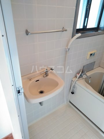 アネックス中川A 102号室の洗面所