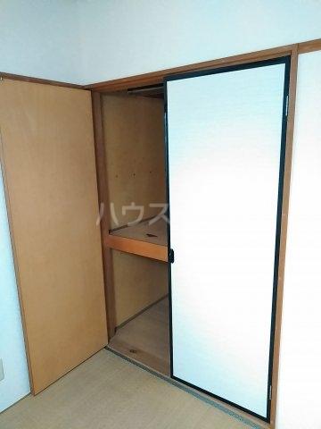 オルベージュB 202号室の玄関