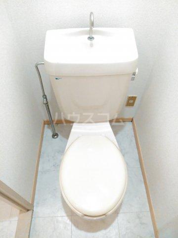 カームコア 106号室のトイレ
