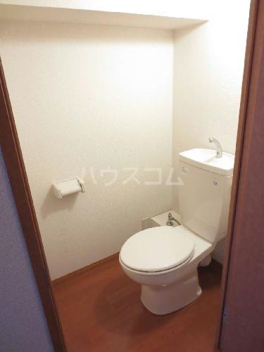 レオパレス紅梅 103号室のトイレ
