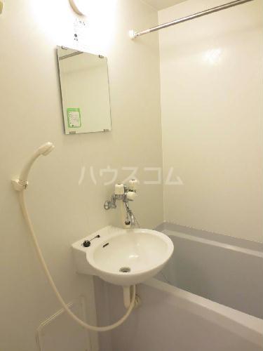 レオパレス紅梅 103号室の洗面所