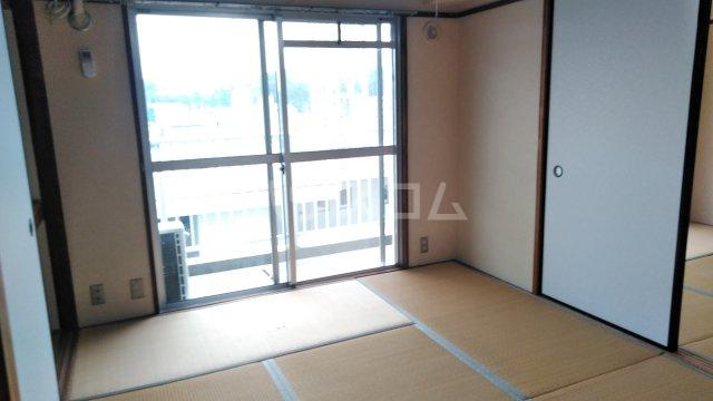 菊水マンション 503号室の居室