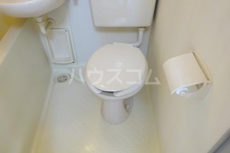 プレリ西大島 302号室のトイレ