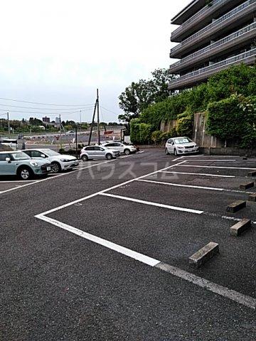 アクアシティ備前町 402号室の駐車場