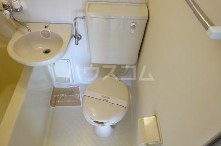 プレリ西大島 313号室のトイレ
