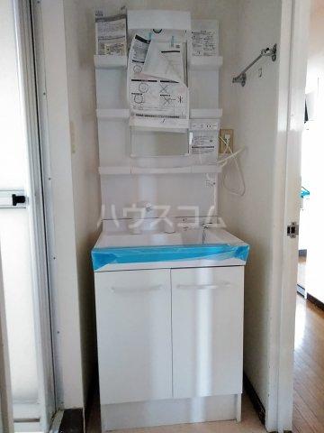 リエス友部 301号室の洗面所