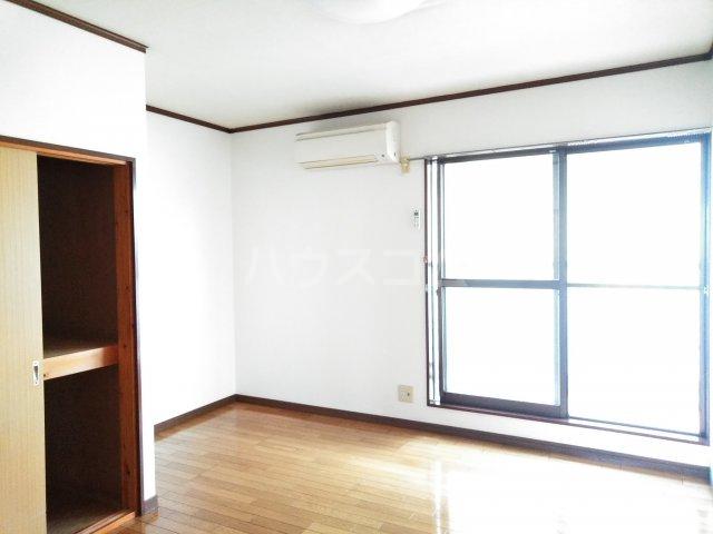 大平グリーンハイツ 101号室のリビング