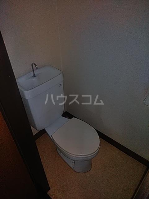 プラムガーデン 211号室のトイレ