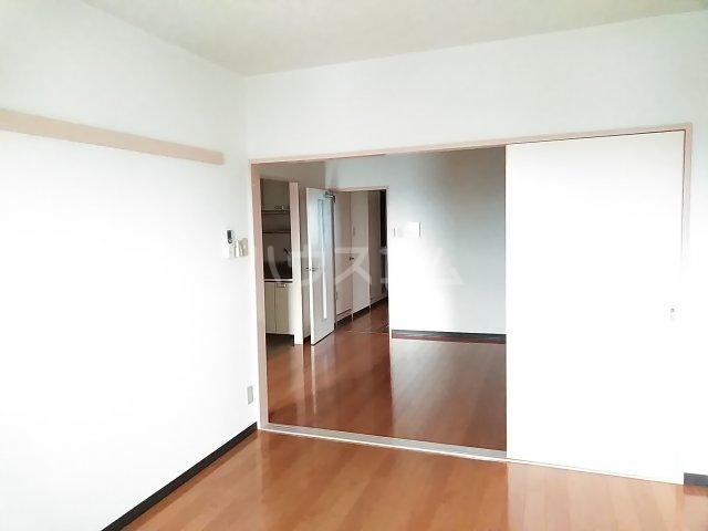 総業水戸第三姫子ハイム 710号室のリビング